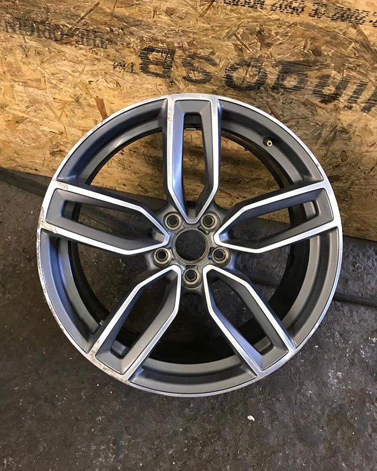Silver spoke design alloy