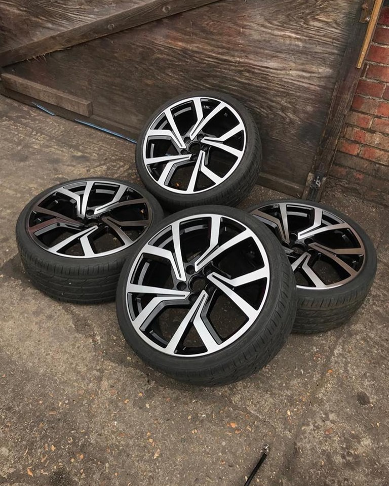 full set of tyres with alloys